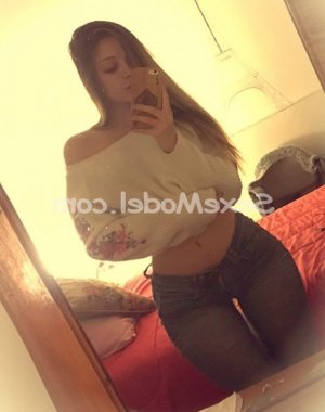Idene escorte girl lovesita dans l'Orne