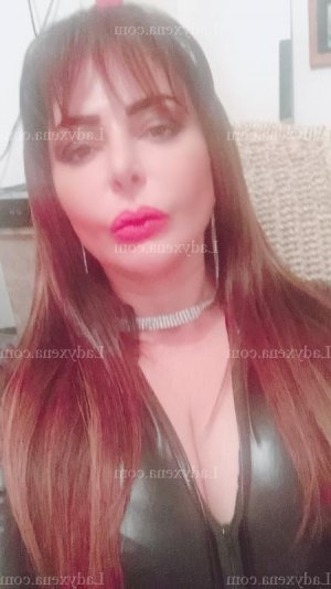 Agnies escorte girl massage